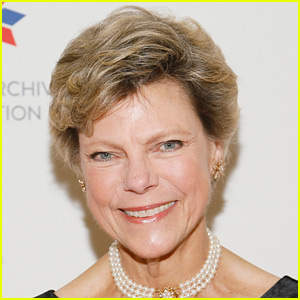 Cokie Roberts Dead - Renowned Journalist Dies at 75