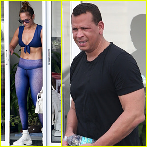 Jennifer Lopez Shows Off Killer Abs at Yoga With Alex Rodriguez