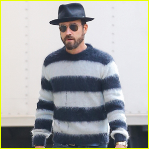 Justin Theroux Takes Dog Kuma for a Walk in NYC