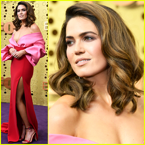Mandy Moore Looks Stunning at Emmys 2019