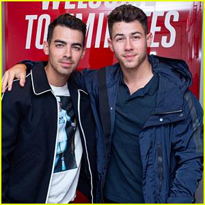 Nick & Joe Jonas Check Out the U.S. Open Semi-Finals Together