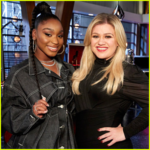 Kelly Clarkson Recruits Normani as Her Advisor on 'The Voice'