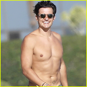Orlando Bloom Downplays His Manhood After Naked Paddle Boarding Pictures: 'It Is Not Really That Big'