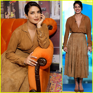 Priyanka Chopra Lounges on the Iconic 'Friends' Couch at Toronto Film Festival!