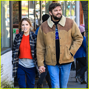 Anna Kendrick Holds Hands With Nick Thune While Filming 'Love Life' Scenes