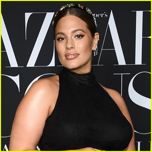 Ashley Graham Shows Off Growing Baby Bump in Nude Selfie