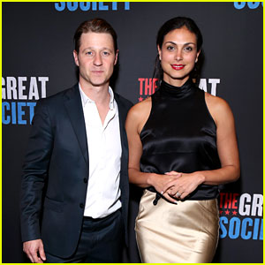 Ben McKenzie & Morena Baccarin Couple Up at a Broadway Opening Night!