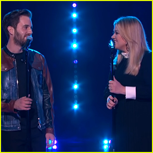 Ben Platt Performs with Kelly Clarkson on Her Talk Show! (Video)