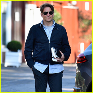 Bradley Cooper Goes Book Shopping in Brentwood