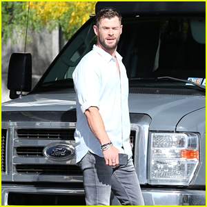 Chris Hemsworth Heads to Comic-Con 2019 Chicago