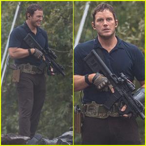 Chris Pratt on 'Ghost Draft' Set - First Look Photos!
