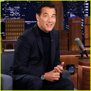 Clive Owen Says Barack Obama Broke White House Rules to Take a Selfie With Him!