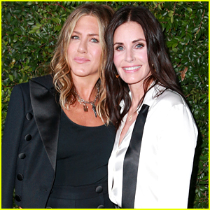 Courteney Cox Welcomes Jennifer Aniston to Instagram!