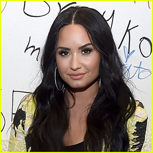 Demi Lovato's Private Photos Leaked After Her Snapchat is Hacked