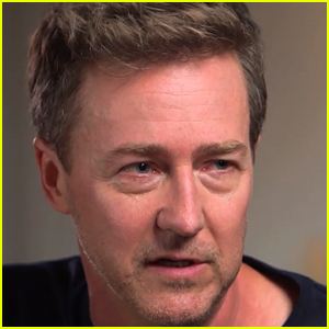 Edward Norton Admits He Feels 'Mildly Fraudulent' Every Time He Starts Filming a New Movie - Watch