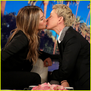 Jennifer Aniston Shares a Kiss with Ellen DeGeneres During Her Interview - Watch!