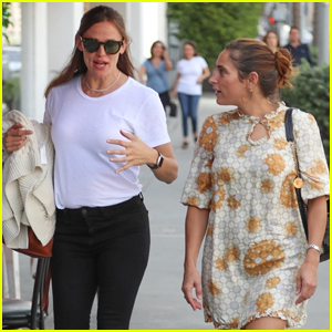 Jennifer Garner Meets Up With Summer Phoenix For Lunch!