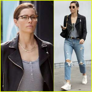 Jessica Biel Steps for Lunch with Friends in L.A.