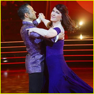 Kate Flannery Impresses With Viennese Waltz During 'DWTS' Week 6 - Watch!