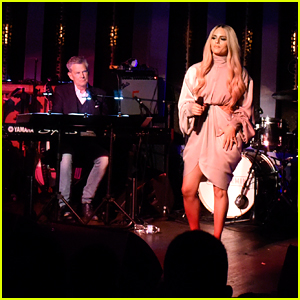 Pia Toscano Performs with David Foster at Imagine Ball LA 2019