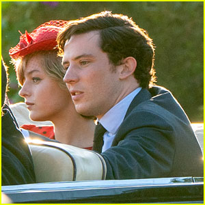 the crown s young prince charles princess diana actors spotted on set emma corrin josh o connor the crown just jared http www justjared com 2019 10 10 the crowns young prince charles princess diana actors spotted on set