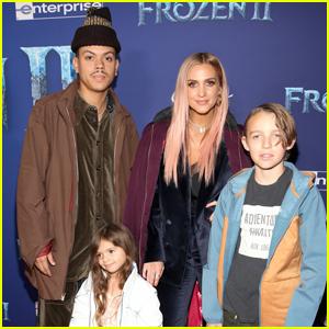 Ashlee Simpson & Evan Ross Bring Kids Bronx & Jagger to 'Frozen 2' Premiere!