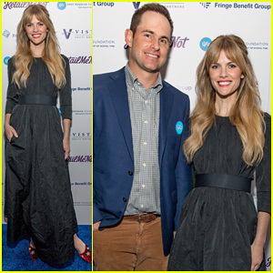 Brooklyn Decker Supports Hubby Andy Roddick at His 14th Annual Foundation Gala!