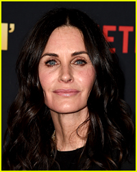 Courteney Cox's Dogs Run Into Traffic, Saved By Paparazzo - See the Video!