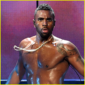 Jason Derulo Seemingly Shows Off His Manhood on Instagram!