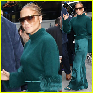 Jennifer Lopez Debuts Bob With Blonde Highlights - See the New Hairdo!