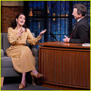 Jenny Slate Performs Hilarious Improvised Bridal March Song on 'Late Night' - Watch Here!
