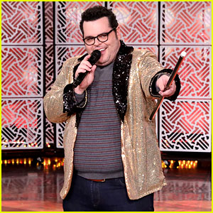 Frozen's Josh Gad Performs a Showstopping Opening Number While Guest Hosting 'Ellen'