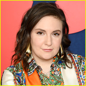 Lena Dunham Explains Why She's Been Photographed Using a Cane
