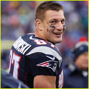 Rob Gronkowski Teasing 'Big Announcement,' Fans Think He Could Be Returning to Patriots!