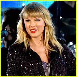 Taylor Swift Teases Her Cats Song Beautiful Ghosts Out At Midnight Music Taylor Swift Just Jared