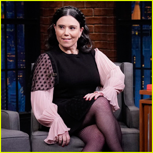 Alex Borstein Almost Quit Acting Before 'Marvelous Mrs. Maisel' Audition - Watch!