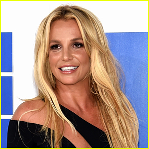 Britney Spears Reveals Her Incredible Christmas Decorations!