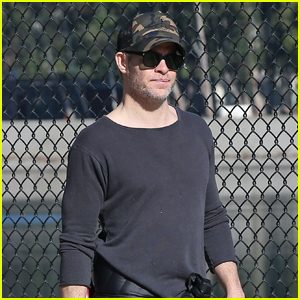 Chris Pine Takes His Dog for a Walk in Silver Lake