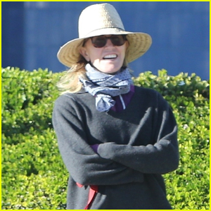 Felicity Huffman is All Smiles While Working on Her Community Service Hours