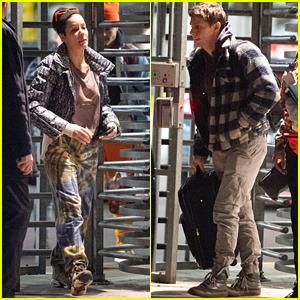 Halsey & Boyfriend Evan Peters Travel Together Before Christmas in NYC