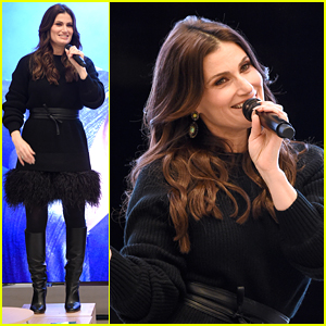 Idina Menzel Opens Up About Working With Ariana Grande on 'A Hand For Mrs. Claus'