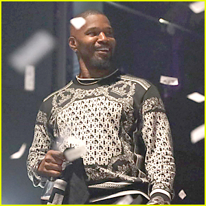 Jamie Foxx Celebrates The New Year Early in Miami With Friends