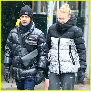 Joe Jonas & Sophie Turner Brave NYC's First Snow Storm of the Season
