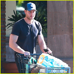 Justin Hartley Stocks Up on Groceries For NYE