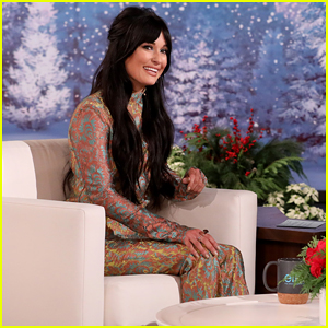Kacey Musgraves Talks Helping Out a Photo Business, Performs 'Christmas Makes Me Cry' on 'Ellen'!