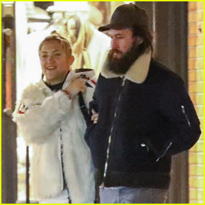 Kate Hudson & Boyfriend Danny Fujikawa Grab Dinner in Aspen