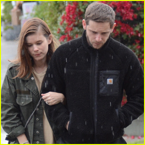 Kate Mara & Jamie Bell Couple Up for Stroll in Rainy L.A.