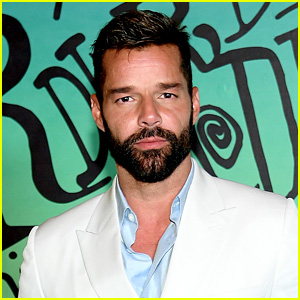 Ricky Martin Grabs His Crotch While Getting Ready for Dior Fashion Show