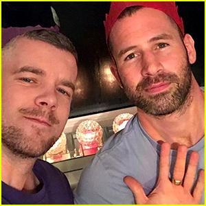Russell Tovey & Boyfriend Steve Brockman Celebrate Christmas Together