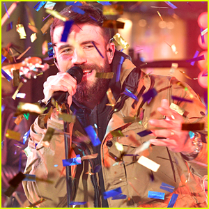 Sam Hunt Performs New Single 'Kinfolks' on New Year's Rockin' Eve 2020!